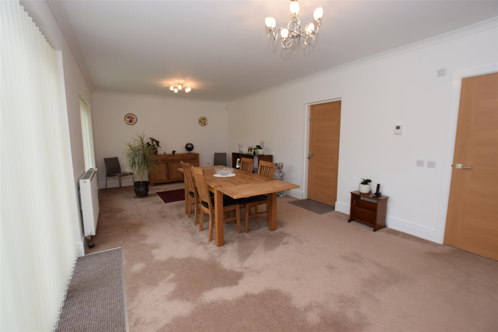 13, Kirkfield Place, Auchterarder, Perthshire, PH3 1FP, UK